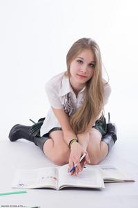 http://img12.imagevenue.com/loc149/th_208874283_tduid300163_Silver_Starlets_Katenka_student_1_103_123_149lo.JPG