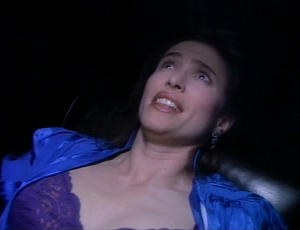 http://img12.imagevenue.com/loc166/th_23299_MimiRogers_TalesfromtheCrypt_123_166lo.jpg