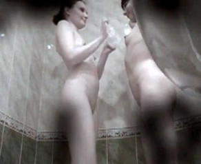 [Image: th_643359396_two_girls_in_bathroom_the_h...3_84lo.jpg]