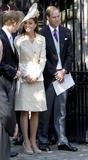 th_50925_celebrity_paradise.com_The_Duchess_of_Cambridge_Zara_wedding_098_122_87lo.jpg