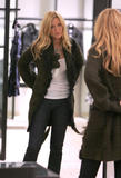 th_72665_78145-blake-lively-candid-chanel-boutique-nyc-09-0_122_874lo.jpg